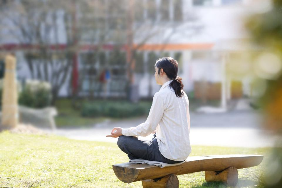 Student practicing Simply Meditation